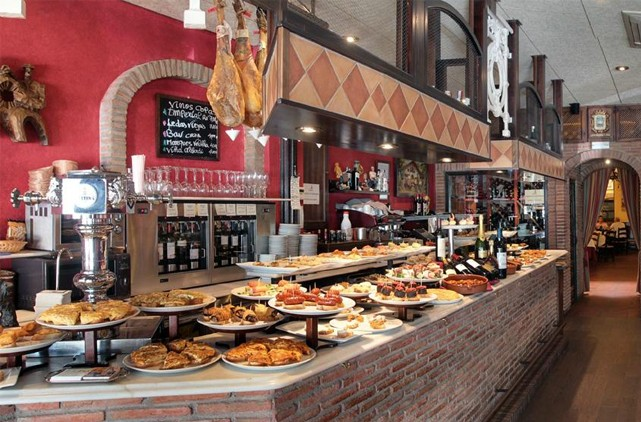 Restaurant asador guadalmina nueva andalucia gastronomy for Andalucia cuisine