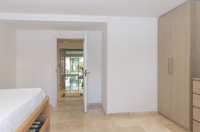 Apartment Dominion Beach New Golden Mile Kempinski Bahia Estepona-0003