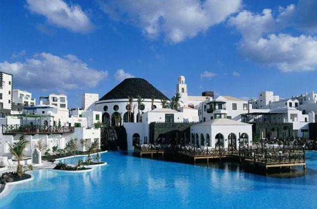 Hotel gran melia volcan lanzarote hotel en playa blanca for Designhotel lanzarote